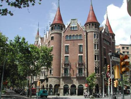 Barcellona - Avenida Diagonal | © Aldo Ardetti - ardetti@libero.it  - GNU Free Documentation License