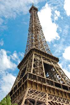 The world famous, Eiffel Tower in Paris, France. | © Veniamin Kraskov | Dreamstime.com