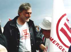 Gino Strada, fondatore di Emergency © http://it.wikipedia.org/wiki/Utente:E-worker