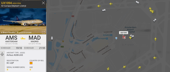 Schiplol UX1094 Flight Radar - https://www.flightradar24.com